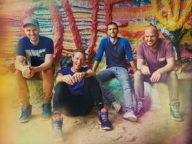 """Coldplay """"Up&Up;"""". Клип мирового масштаба или кто на новенького."""
