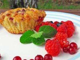 Кексы с творогом и ягодами